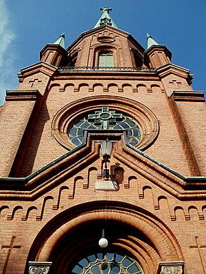 Aleksanterin kirkko ylöspäin Tampere