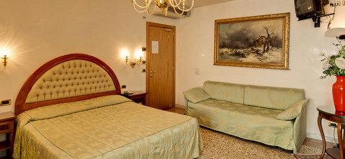 Antica Casa Hotel Carettoni Venice Italy
