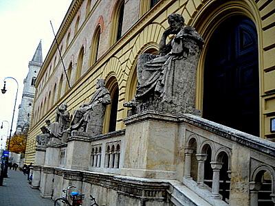 Bayerische Staatsbibliothek Munchen Germany