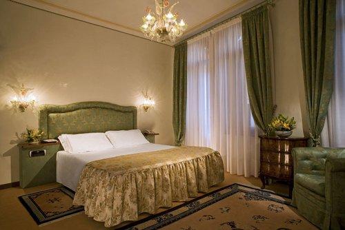 Bonvecchiati Hotel Venice Italy