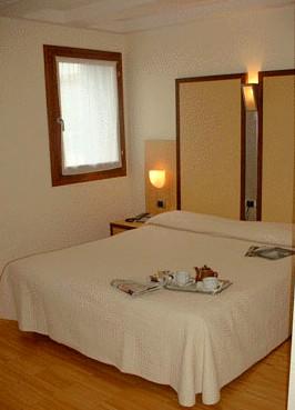 Dolomiti Hotel Venice Italy