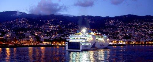 Funchal Porto Santo Madeira lautta