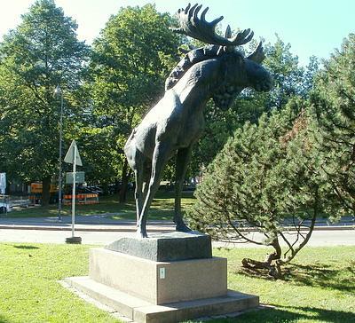 Hirvi-patsas Lahti