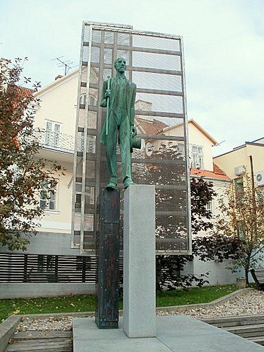 Jaan Tonisson monumentti Tartto Viro