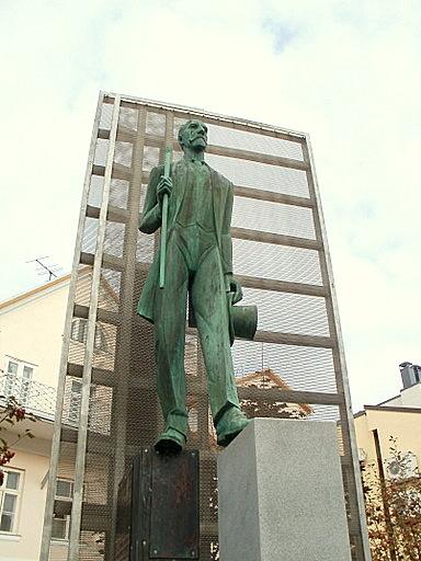Jaan Tonisson patsas Tartto