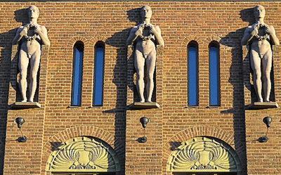 Joensuu kaupungintalo patsaat