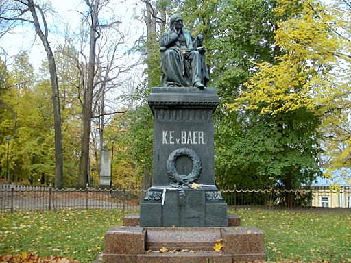 K E von Baer monumentti Tartto