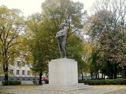 Kalevipoeg monumentti Tartto