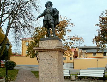 Kustaa II Adolfin patsas Tartto
