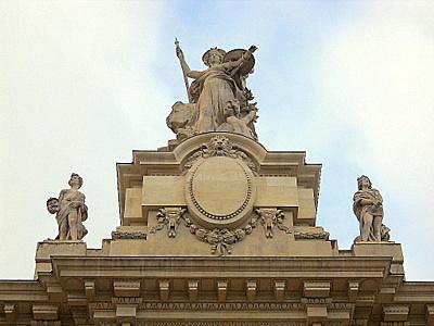 L'Art statue Grand Palais Paris France