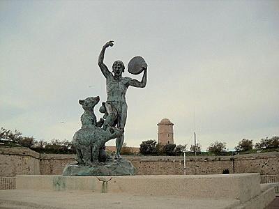 Le Dresseur d'Oursons statue Marseille