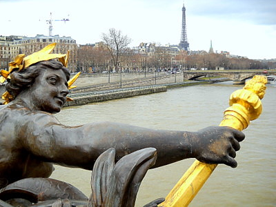 Nymphes de la Neva Pont Alexandre III Paris France