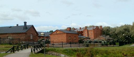 Linnapuisto Hämeen linna Tykistömuseo