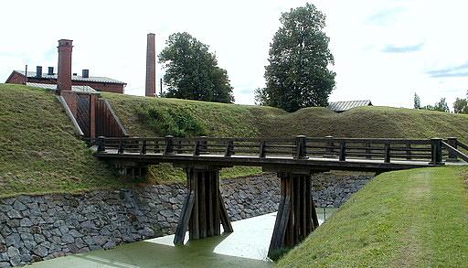 Silta ja vallihauta Hämeen linna