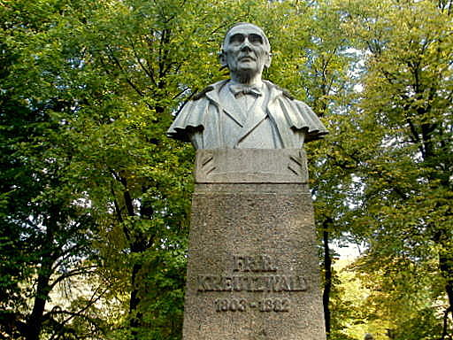 Tarton Fr. R. Kreutzwald rintakuva
