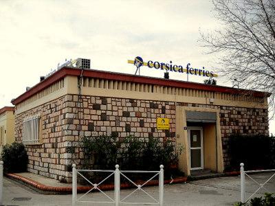 Toulon Corsica Ferries Sardinia Ferries toimisto