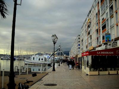 Toulon harbor trattoria