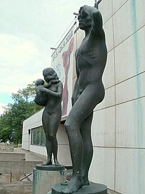 Wäinö Aaltonen Tulevaisuus ja Raivaaja patsaat