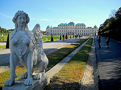 Upper Belvedere palace and gardens & statue