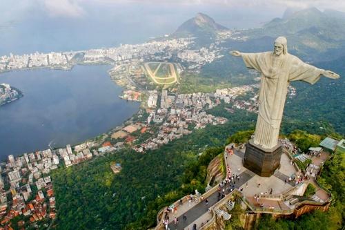 Kristus Vapahtaja -patsas Rio de Janeiro Brasilia.