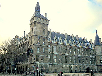 Conciergerie Paris France