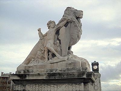 Marseille train station lion and boy statue