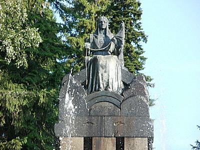 Näsinpuiston suihkulähde Pohjanneito
