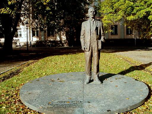 Peeter Põld monumentti Tartto