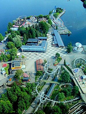 Särkänniemen huvipuisto Näsinneulasta Tampere
